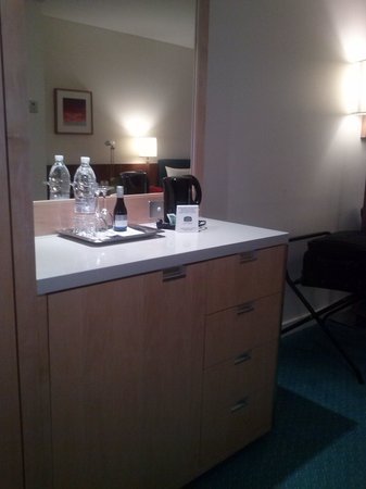 Courtyard Sydney-North Ryde : Mini Bar