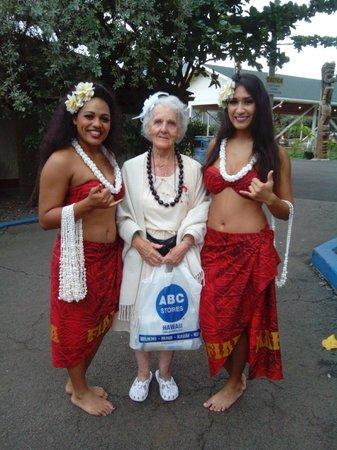 Waikiki Wave : At Chief's LAUA with Hula girk