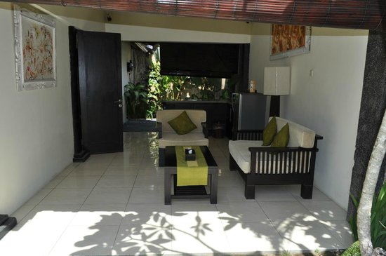 Bali Rich Luxury Villa: Patio with outside cooking facilities