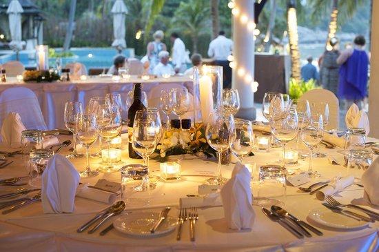 Melati Beach Resort & Spa : reception guests tables