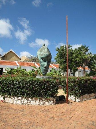 Kura Hulanda Museum: art in the garden