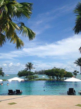 The Danna Langkawi: Infinity pool