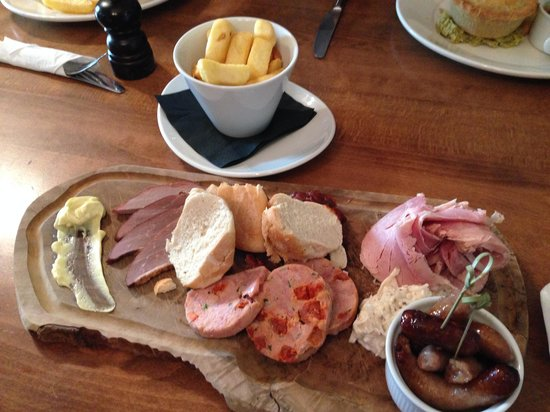 The Lister Arms: Delicious meat board