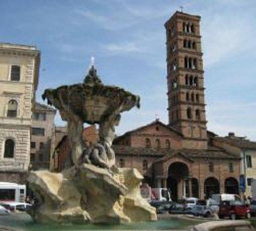 Piazza della Bocca della Verità : foto della piazza