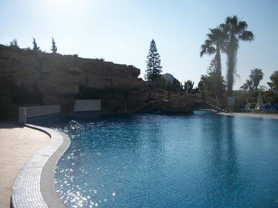 Royal Azur Thalasso Golf : бассейн вид из номера