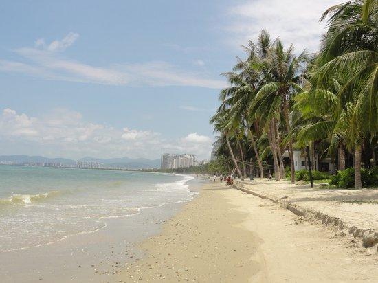 Sanya Bay: sanya beach morning