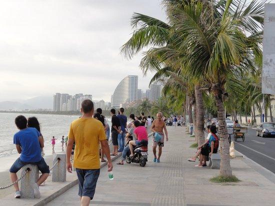 Sanya Bay: sanya beach beach walkway
