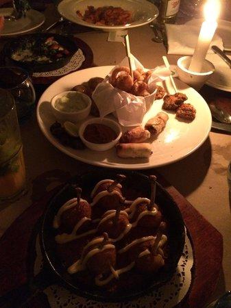 Olive Bar & Kitchen: Mediterranean Platter n chicken bomba ��