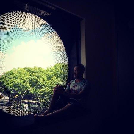 ARCOTEL Onyx: Contemplating