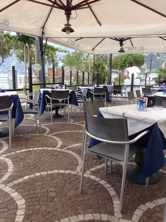 Al Mare Restaurant & Bar: Dehor