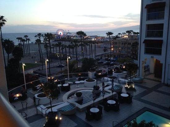 Loews Santa Monica Beach Hotel: great view from our room