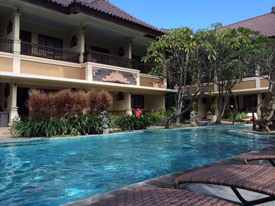 Mutiara Bali Boutique Resort & Villas: Main pool