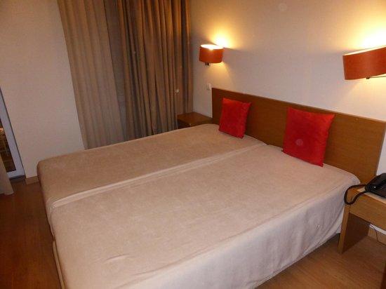 Hotel Sete Colinas: comfy bed