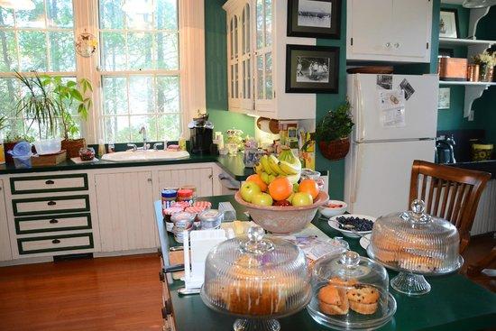 Delano Homestead Bed and Breakfast: Frühstücksauslage
