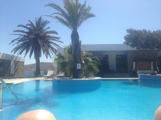 Mykonos Theoxenia : Glamorous pool area