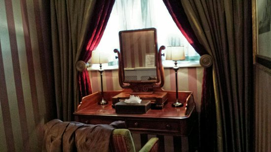 The Greenway Hotel and Spa: Study area in Yew room