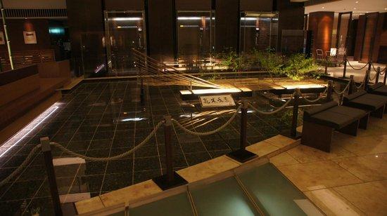 The Strings by InterContinental Tokyo : la salle à manger hall d'entrée