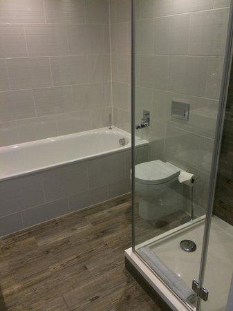 The Daffodil Hotel & Spa: Bathroom