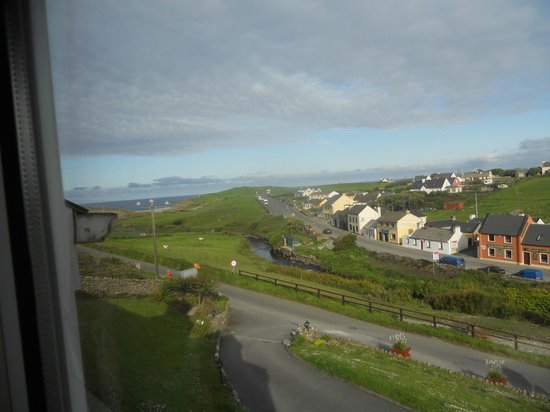 Sea View House Doolin: View from our room