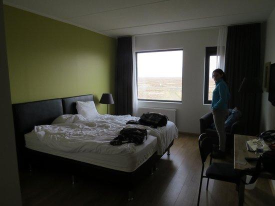 Airport Hotel Aurora Star : Habitación amplia