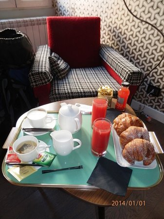 Frattina 57: Breakfast at room