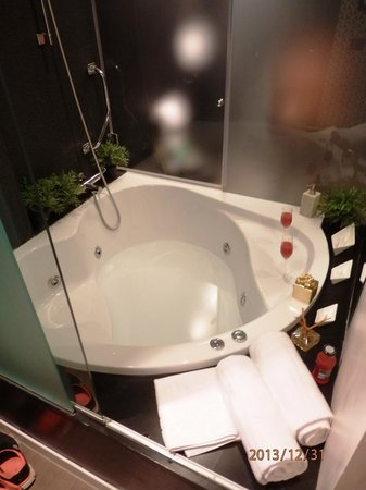 Frattina 57: Spa-bath