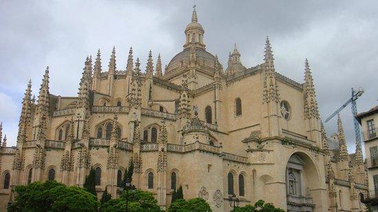 Aquädukt von Segovia: Basilica Segovia