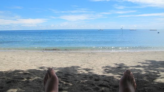 Taman Sari Bali Resort & Spa: Chillin' on the Beach Between Dives