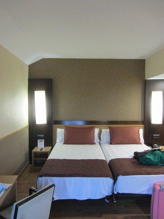 Catalonia Atenas Hotel: la stanza