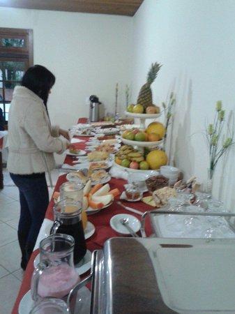 Pousada Casa De Veneza: Café da manhã ótimo!!
