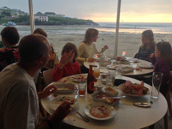 Surfside: lazy dinner at sunset