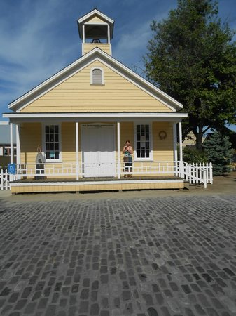 Old Sacramento: old school house