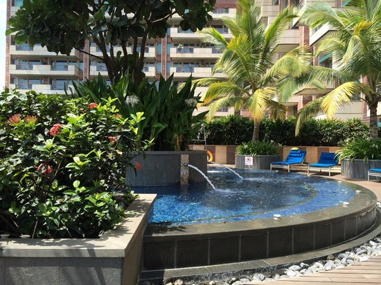 ITC Gardenia, Bengaluru: Pool area