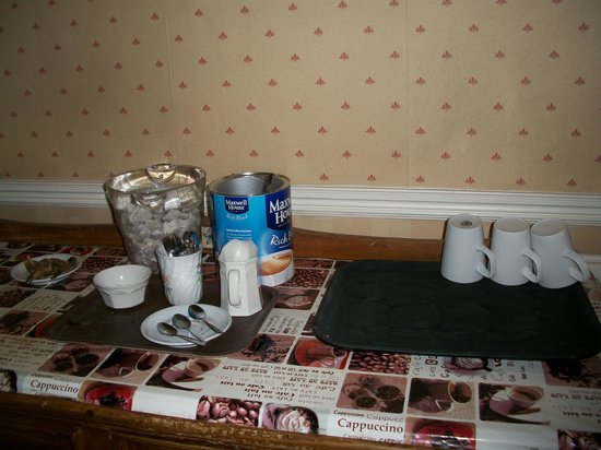Oliver Hotel : unhygenic coffee service