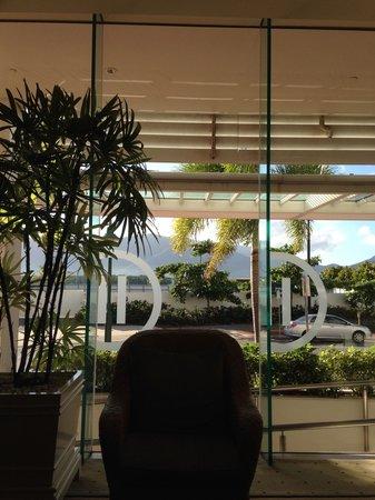 Pullman Reef Hotel Casino: ロビーからの眺め