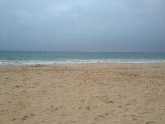 The Long Beach Resort & Spa: beach