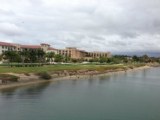 Courtyard San Diego Airport/Liberty Station : Looking back at the hotel from the bridge on the walking trails.