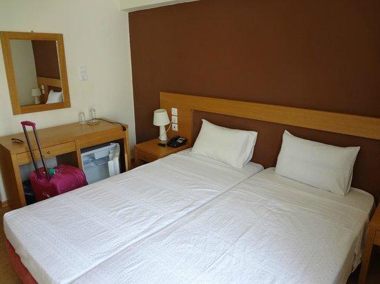 Memory Hotel : Наша кровать