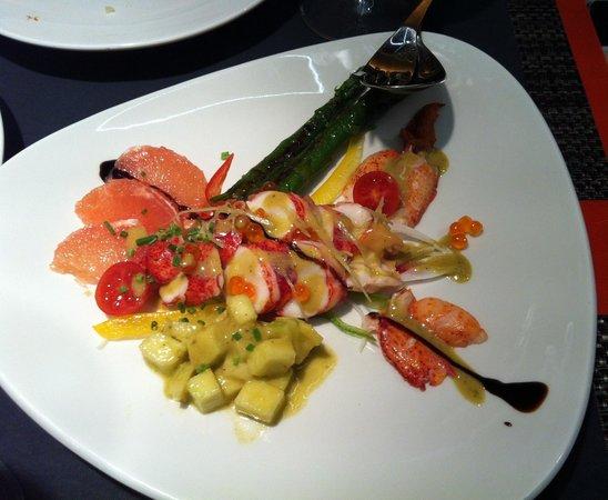 Cientoocho: Ensalada de Bogavante del ciento ocho en Barcelona, deliciosa!!