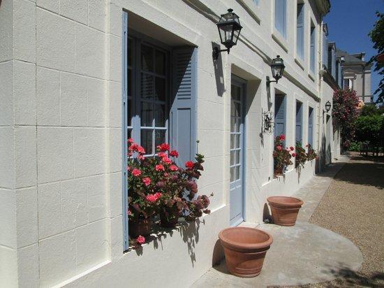Le Vieux Manoir : Flower boxes