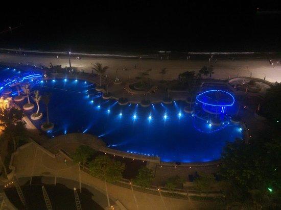 Sheraton Dameisha Resort, Shenzhen: ночной пейзаж