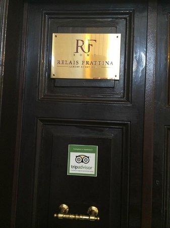 Relais Frattina: Il portone d'entrata