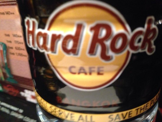 Hard Rock Cafe Bangkok : Food was so bad chose the water