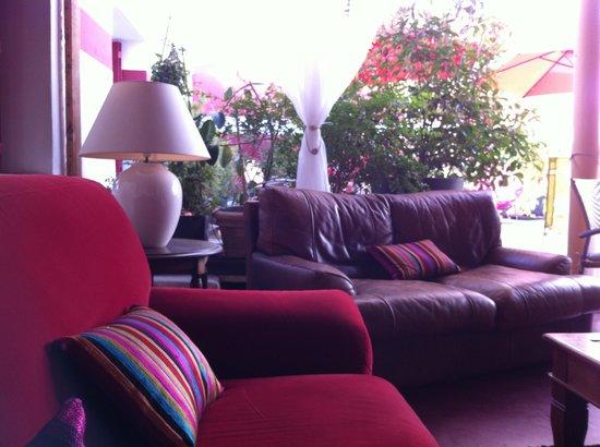 Cote Patio Hotel Nimes : patio