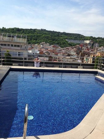 Barcelona Universal Hotel: Roof top pool