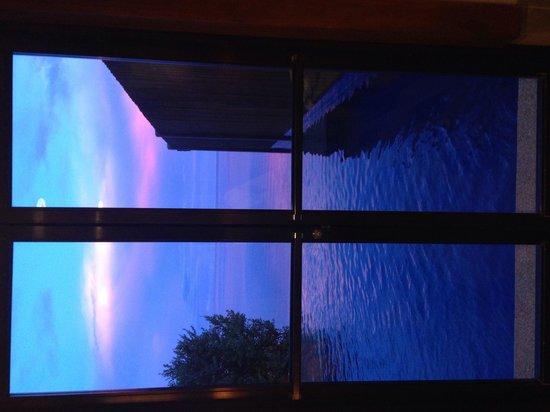 Eskaya Beach Resort & Spa: View at the Handuraw Spa dressing room area