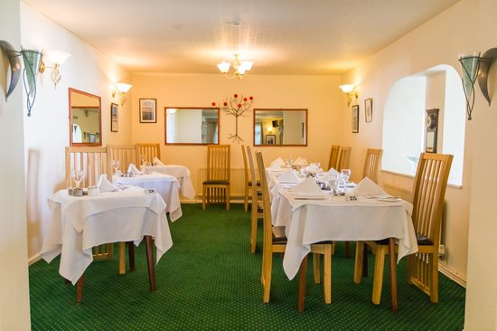 Le Chene Hotel: Restaurant