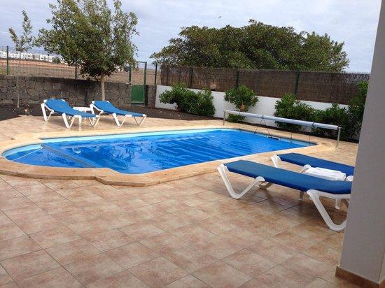 Sun Grove Villas & Spa: Pool area
