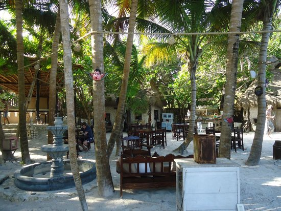 Playa Esperanza: Charming restaurant and area to relax