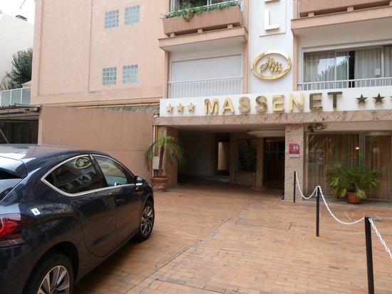 Massenet Hotel: Front of Hotel